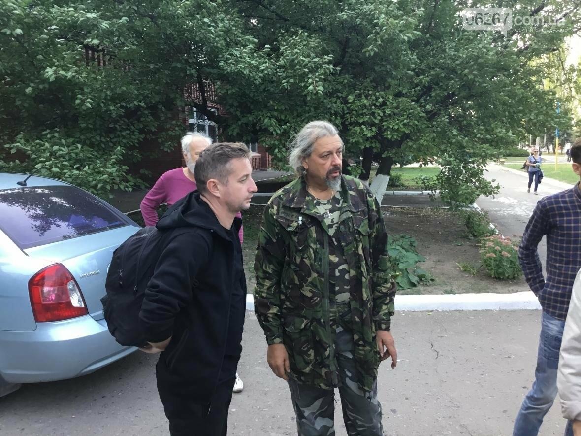 В субботу в Дружковке высадился десант украинских литераторов во главе с Сергеем Жаданом, фото-1