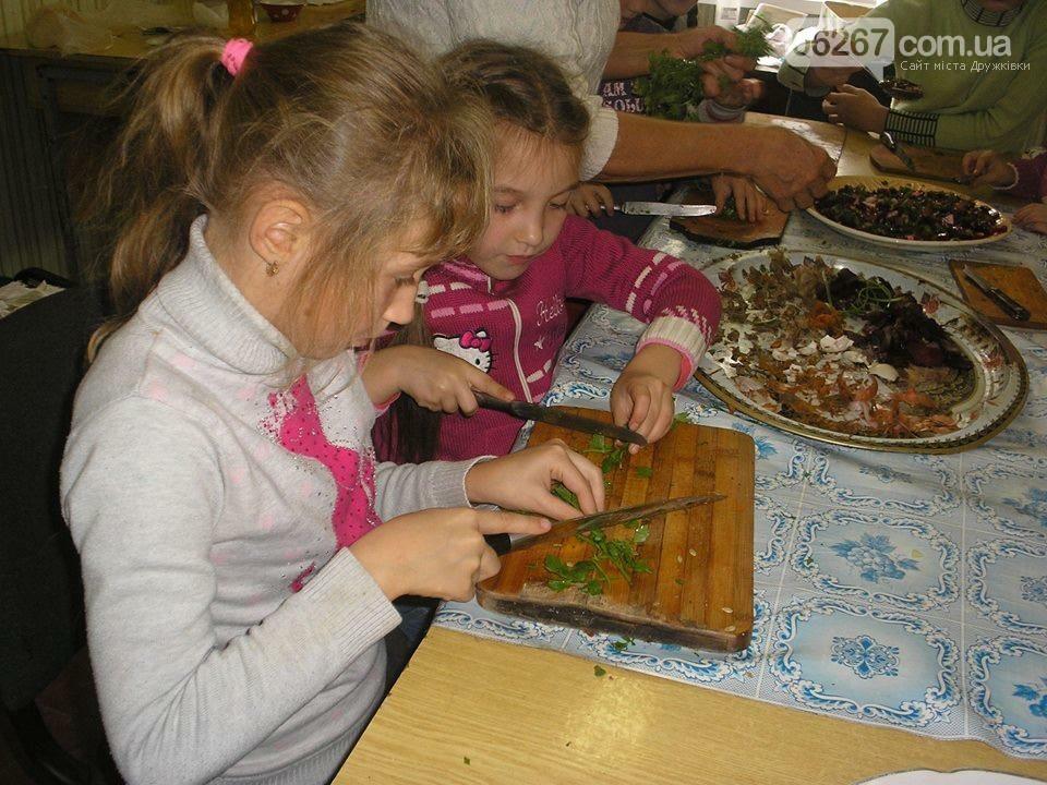 В дружковской библиотеке дети на практике продемонстрировали кулинарные способности, фото-1
