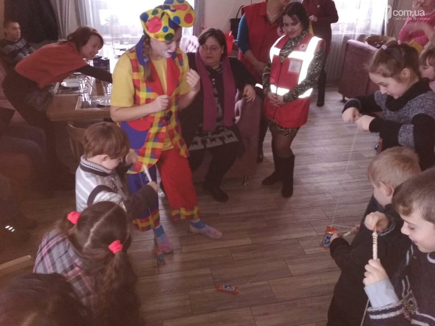 Дружковским детям продолжают устраивать зимние праздники, фото-2