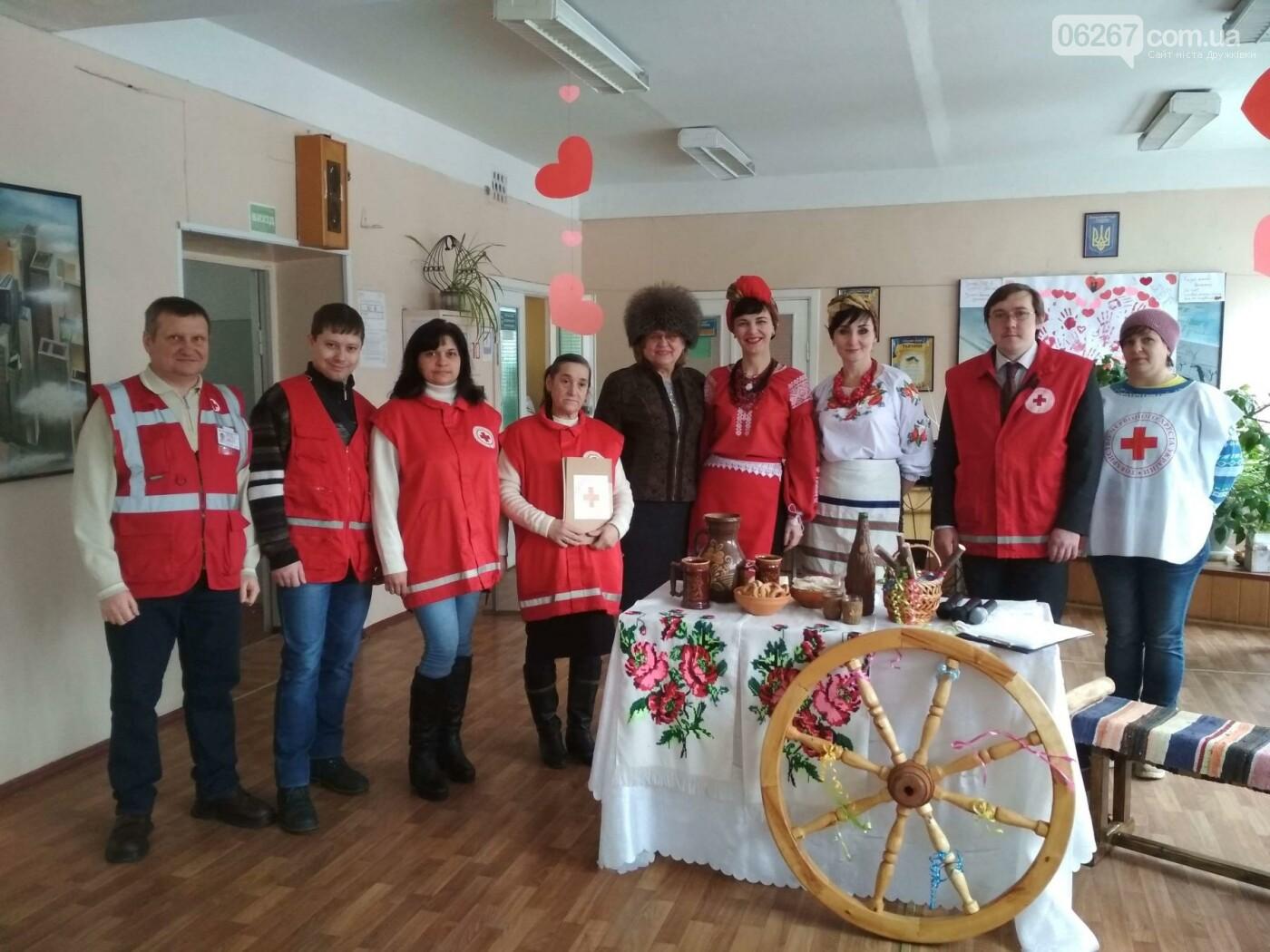 Студенты-строители в Дружковке отпраздновали Масленицу вместе с представителями Общества Красного Креста , фото-2