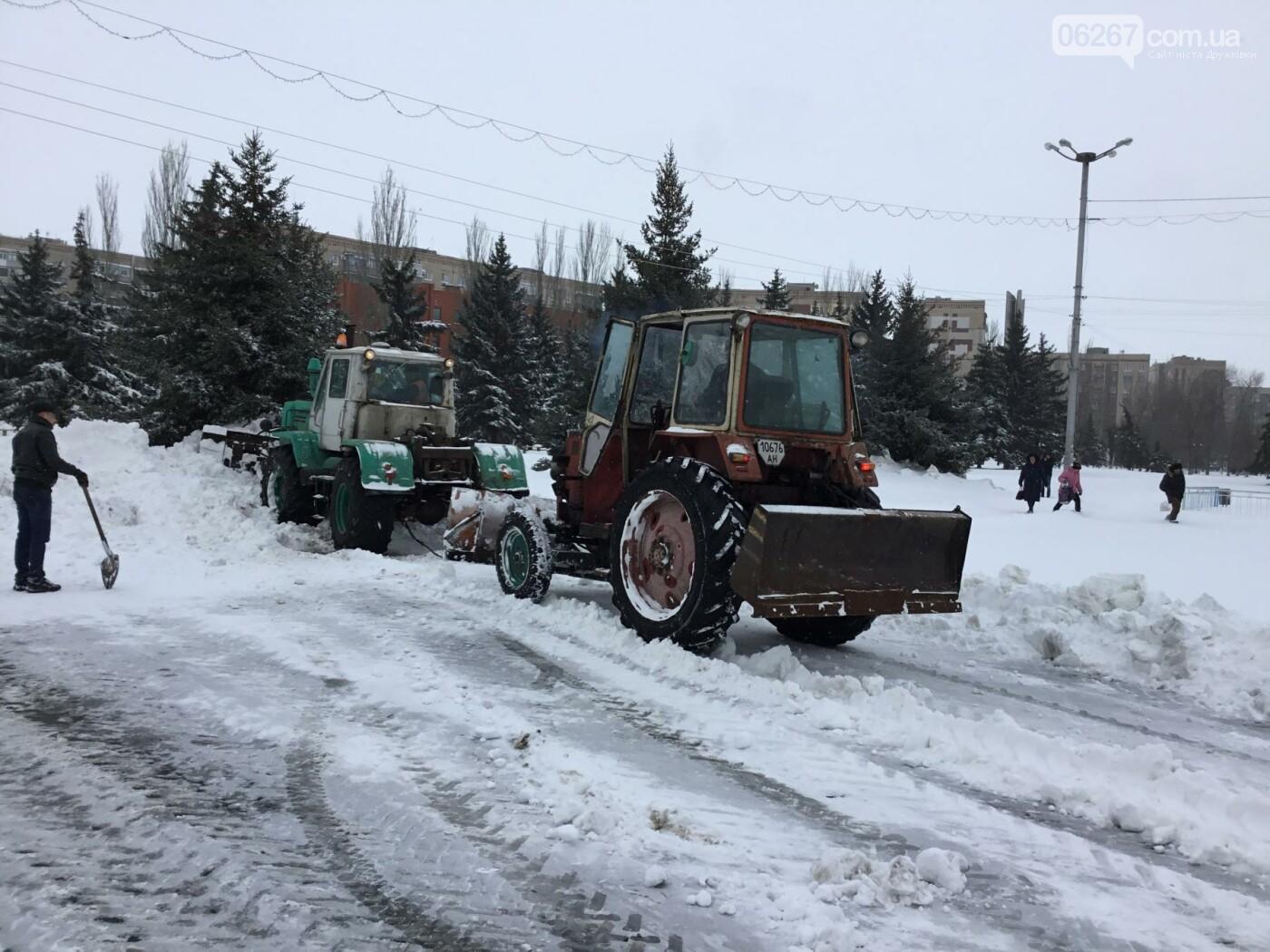 И о погоде: Сегодня в Дружковке в снежные капканы попали трамваи и бульдозеры (ФОТО, ВИДЕО), фото-4