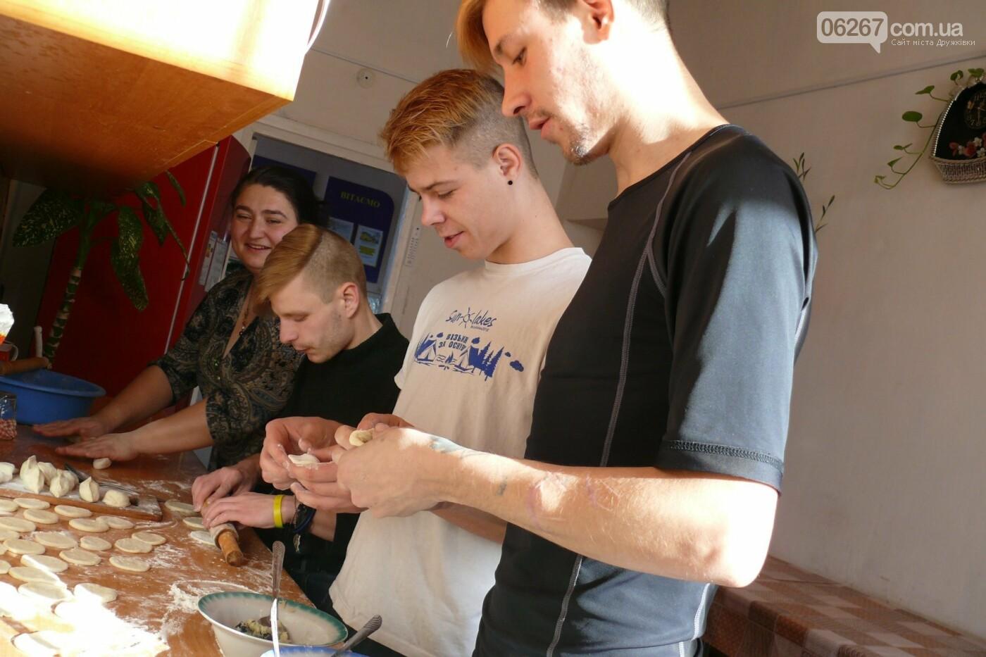 В Дружковке дети-сироты на Крещение научились готовить кутью и вареники (ФОТО), фото-2