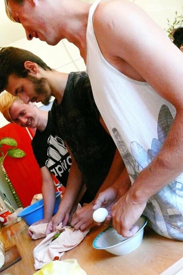 Приятное с полезным: В Дружковке участники группы «Соцгурт» и окрошку приготовили, и о деле поговорили (ФОТО), фото-2