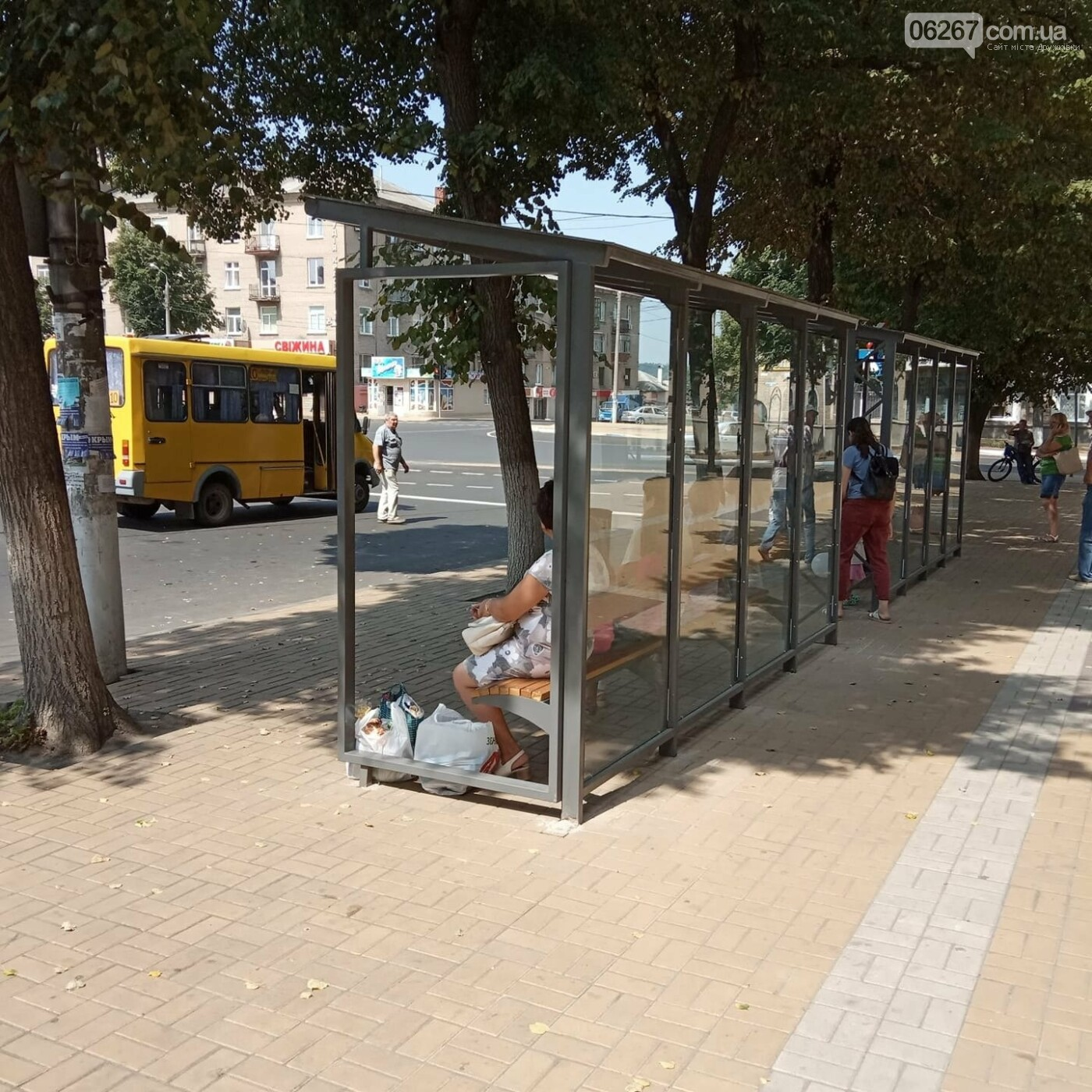 Дружківка: На площі Соборній з'явився новий зупинковый павільйон, фото-1