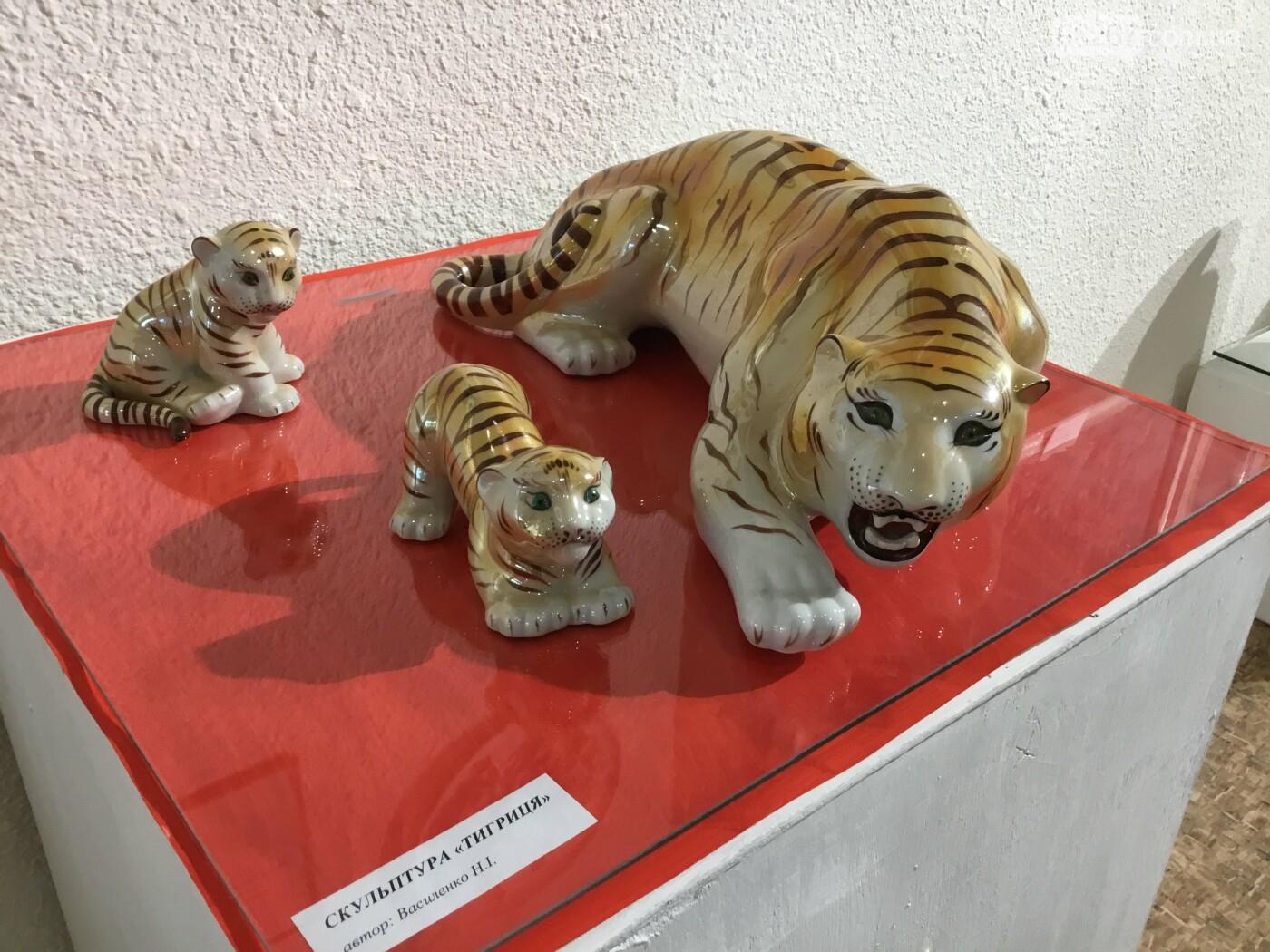 В Дружковском историко-художественном музее открылась выставка уникальных фарфоровых изделий (ФОТО) , фото-6