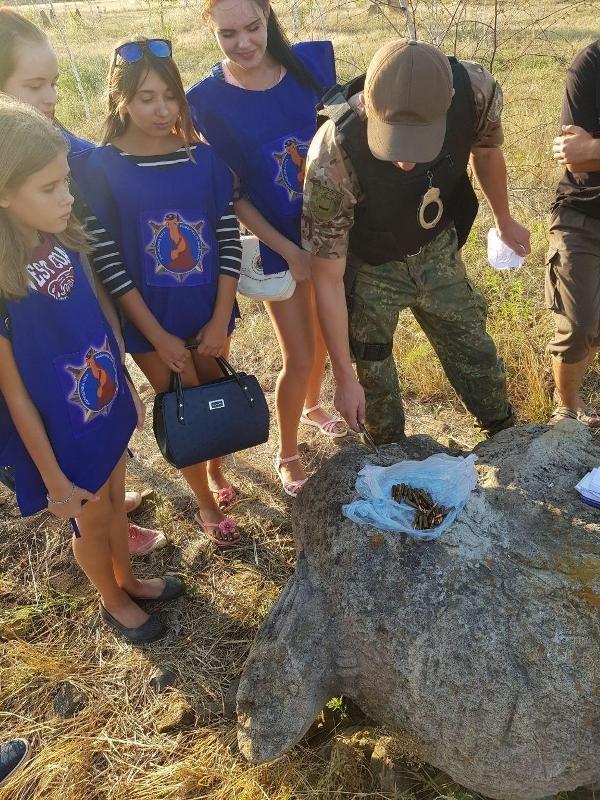 """При уборке парка """"Святогор"""" в Дружковке дети обнаружили автоматные патроны, фото-1"""