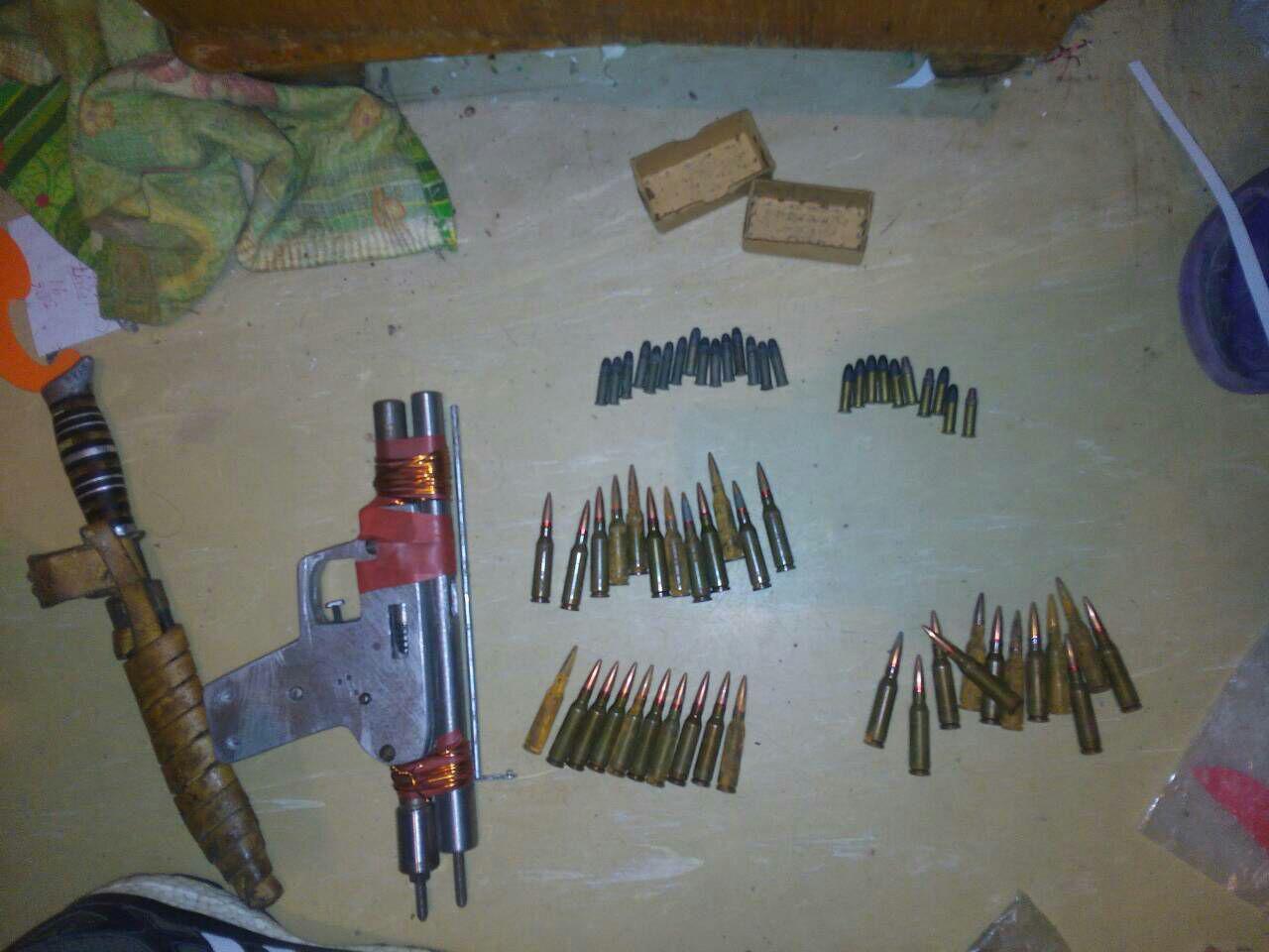 Прощай, оружие: Самодельное ружьё, нож и патроны изъяли у дружковского пенсионера, фото-1