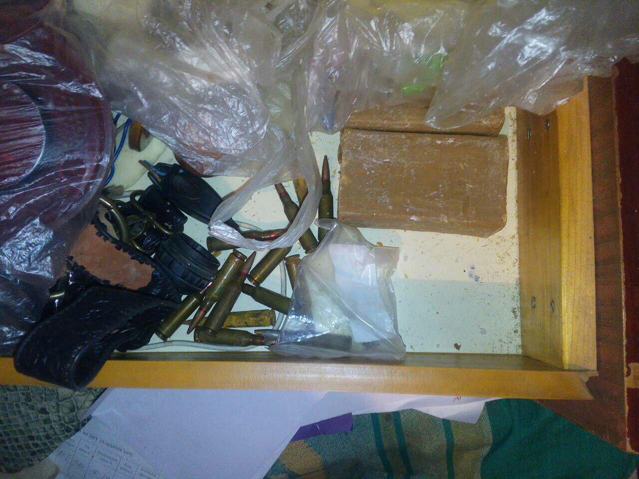 Прощай, оружие: Самодельное ружьё, нож и патроны изъяли у дружковского пенсионера, фото-2