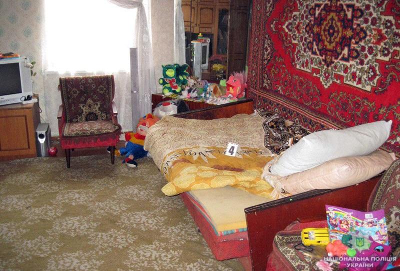Дружковские стражи порядка задержали женщину, ударившую ножом мужа-дебошира, фото-2