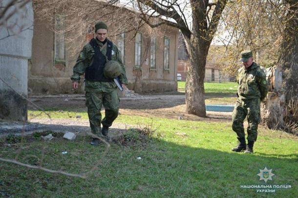 Дружковка: На территории школы в посёлке Кондратьевка обнаружили гранату, фото-1