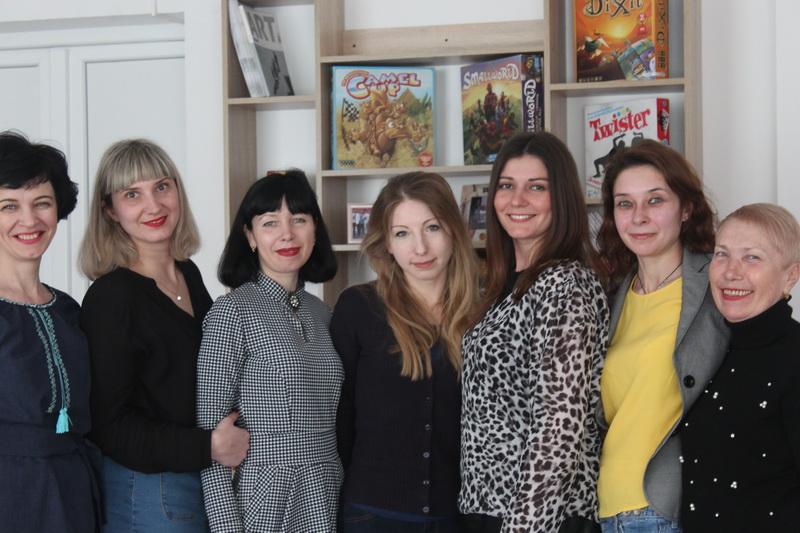 В Дружковке прошла творческая встреча с молодой украинской писательницей, объездившей полмира, фото-1