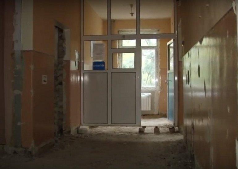 Дружковскую горбольницу №1 утепляют к зиме, фото-1