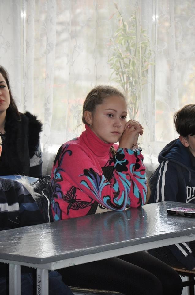 Дружковка: В школе №4 поселка Сурово дети и взрослые посмотрели и обсудили фестивальные киноленты (ФОТО), фото-1