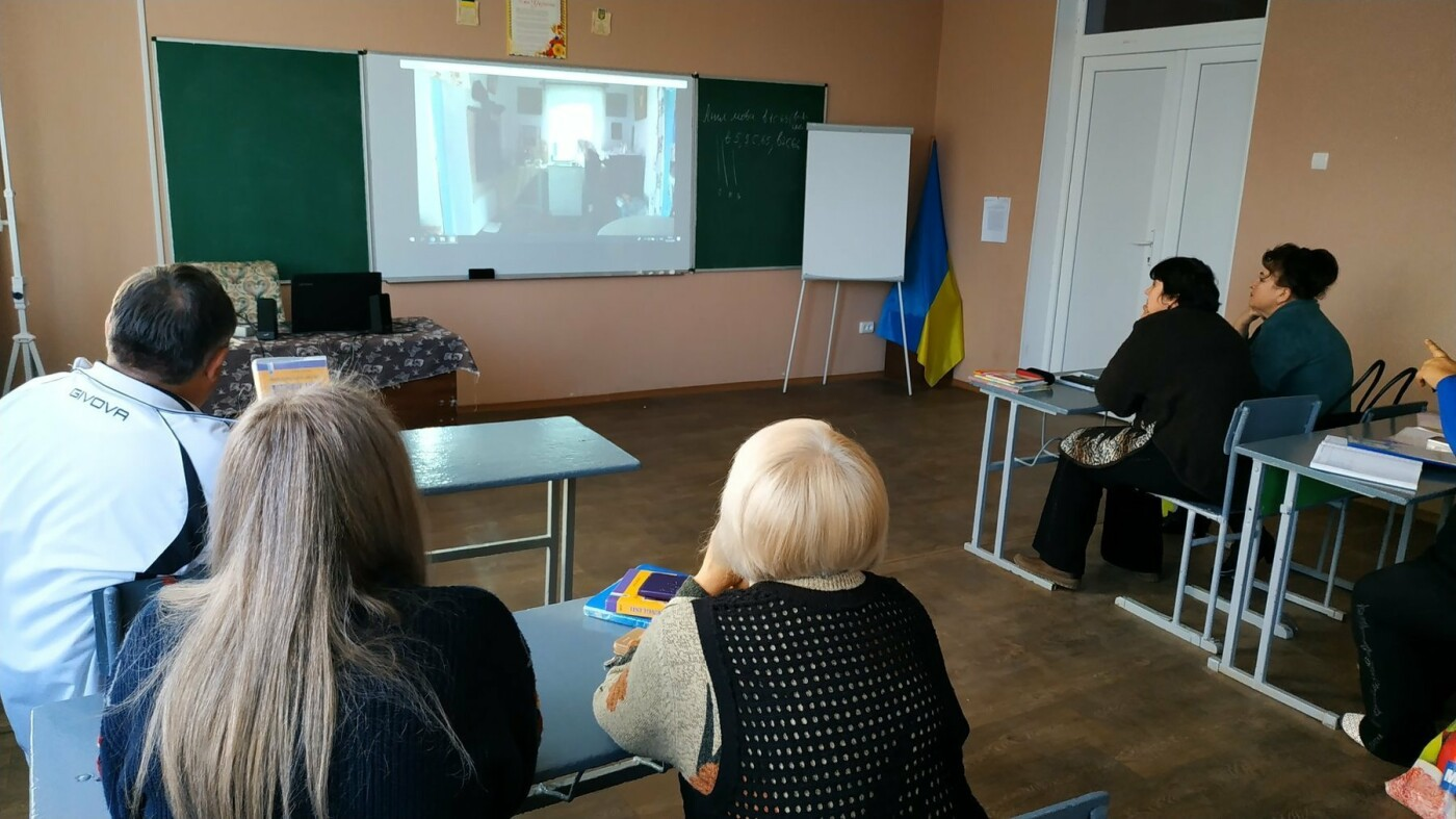 Дружковка: В школе №4 поселка Сурово дети и взрослые посмотрели и обсудили фестивальные киноленты (ФОТО), фото-2