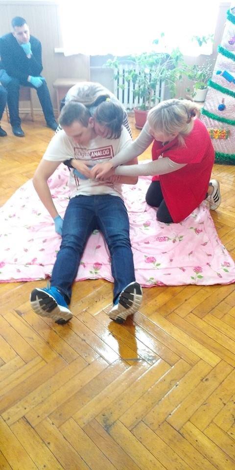 В Дружковском маштехникуме преподавателей учили оказывать первую помощь (ФОТО), фото-1