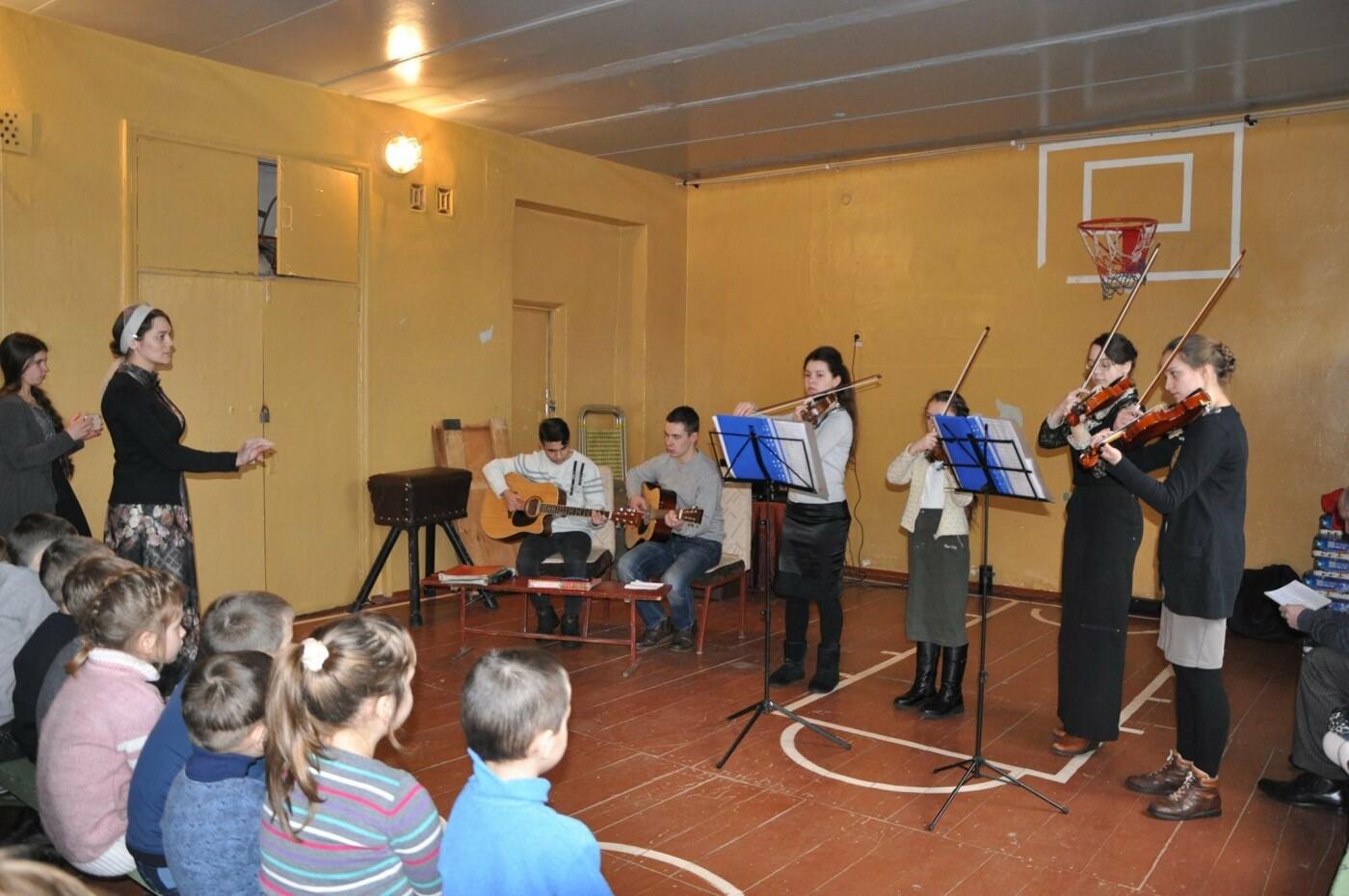 Дружковка: Даже в воскресенье учеников потянуло в родную школу (ФОТО), фото-2