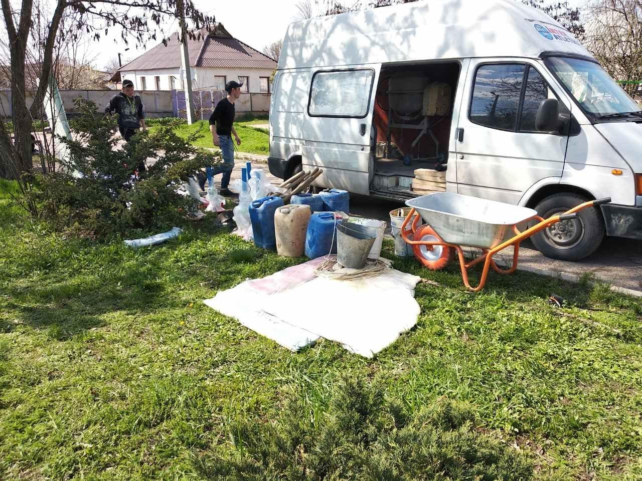 Дружковка: В центре поселка Сурово устанавливают детскую площадку в рамках реализации Общественного бюджета (ФОТО), фото-1