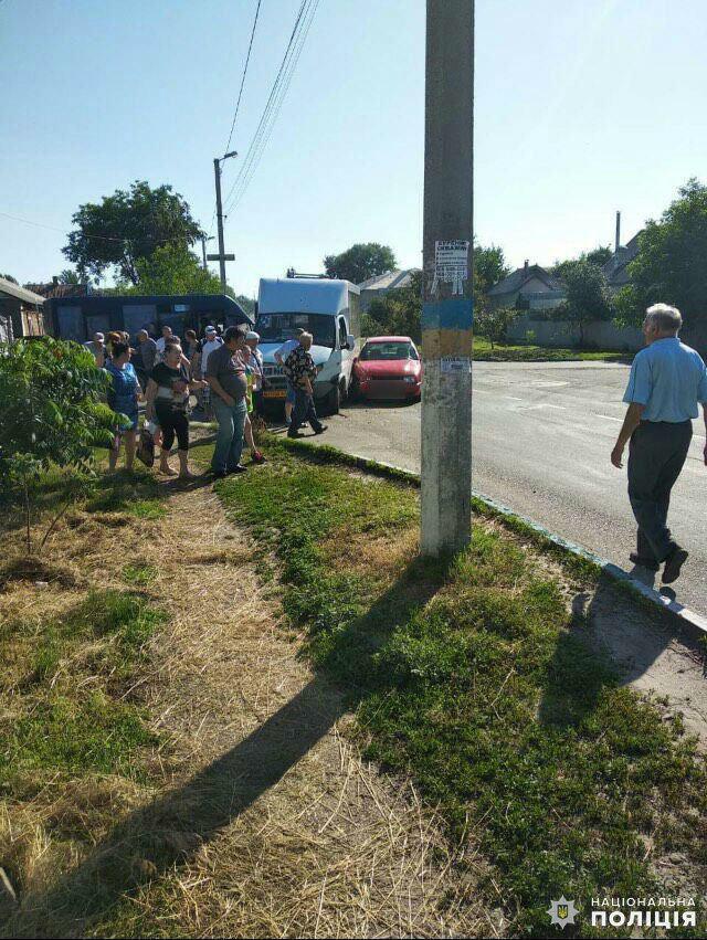 Дружковка: Полиция сообщает о четырёх пострадавших в результате столкновения автобуса и легковушки, фото-1
