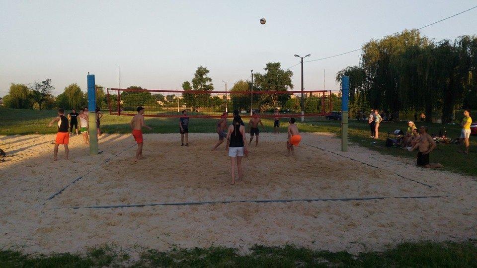По случаю открытия сезона в Дружковке провели городской турнир по парковому волейболу (ФОТО), фото-4