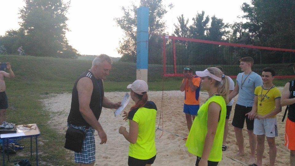 По случаю открытия сезона в Дружковке провели городской турнир по парковому волейболу (ФОТО), фото-2