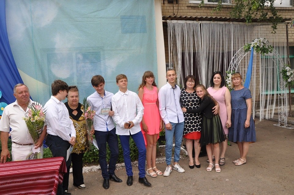 Девятиклассники Дружковки сегодня празднуют выпускной (ФОТО), фото-2