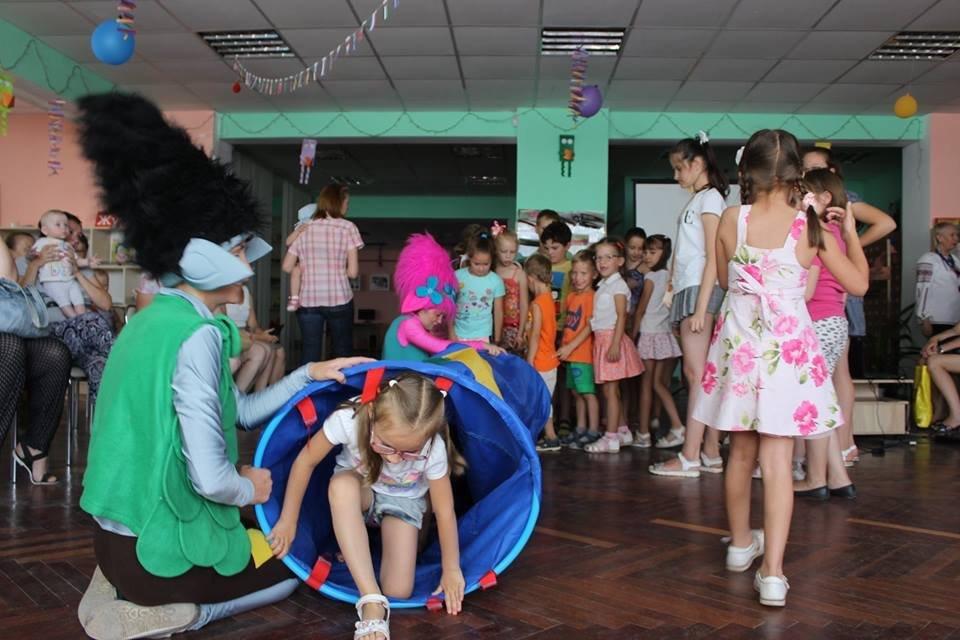 Дружковка: До конца лета по пятницам в «Грайлике» проводятся традиционные забавы для детей, фото-1