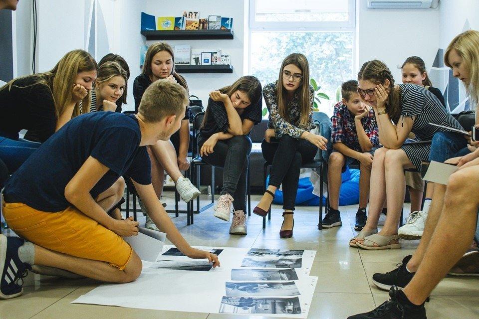 В Дружковке проходит выставка фотоэссе выпускников Фотомастерской «МедіаЛаб-Донбас» (ФОТО), фото-2