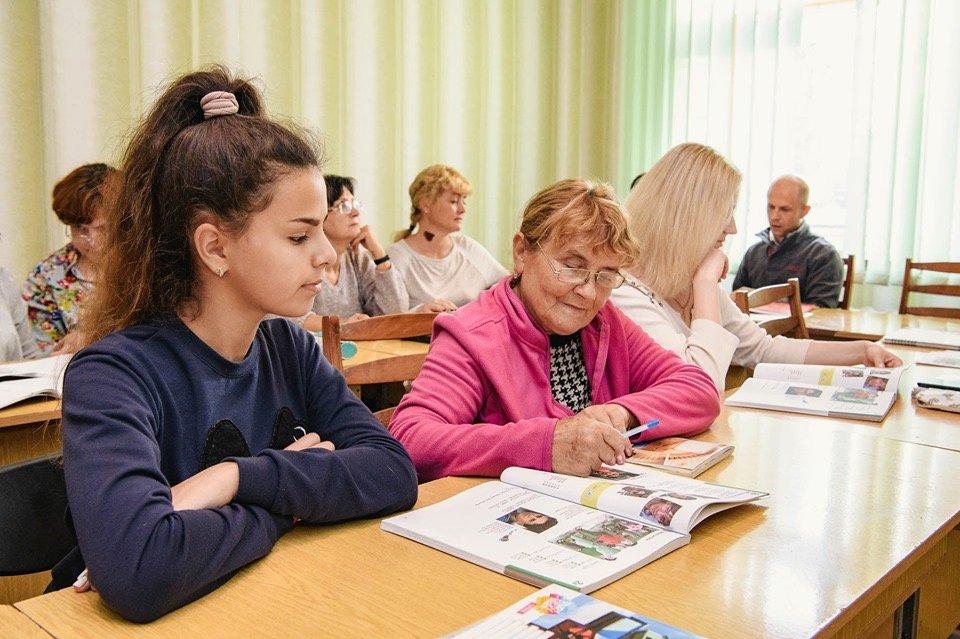 Дружківка: Вивчати іноземну мову з новими книжками стане веселіше (ФОТО), фото-3