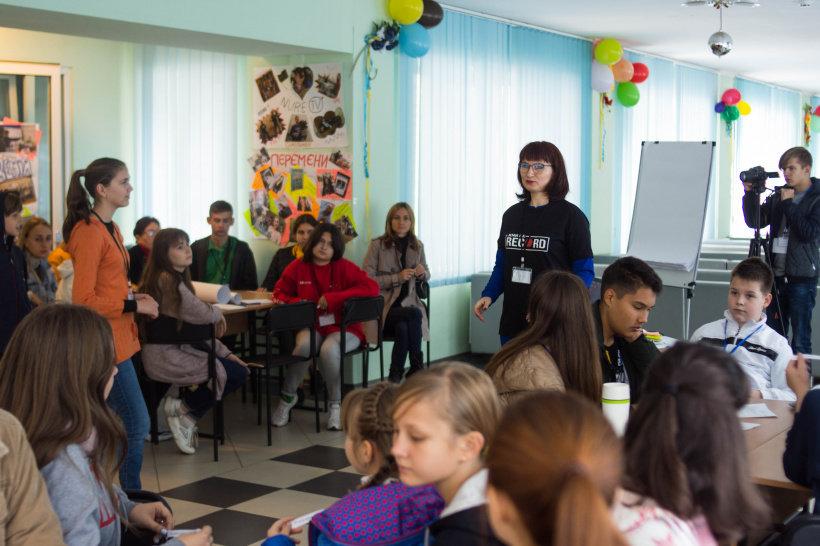 Журналісти шкільної газети з Дружківки отримали нагороду фестивалю дитячих та молодіжних ЗМІ України (ФОТО), фото-2