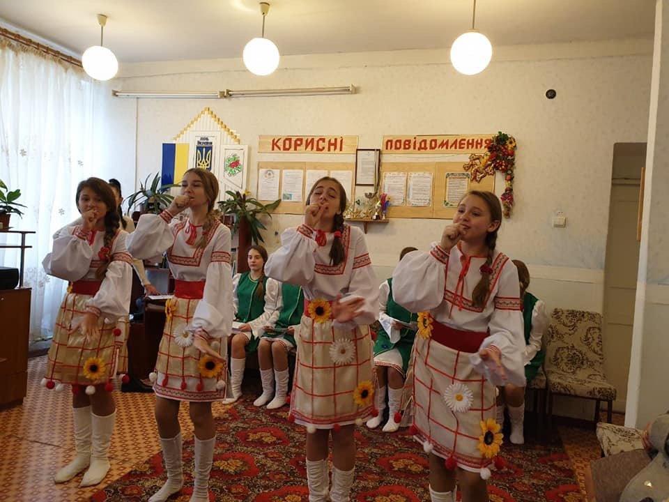 У Дружківському ЦДЮТ міркували про роль народної пісні у сучасному мистецькому просторі, фото-4