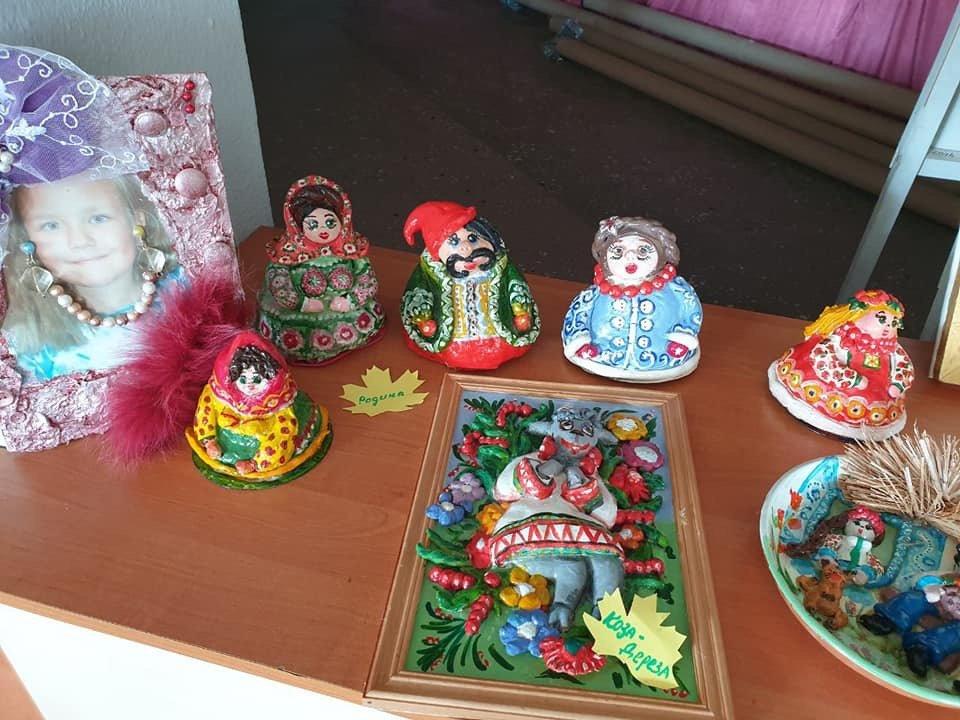 Персональна виставка творчих робіт п'ятикласниці з Дружківки відкрилася у ЦДЮТ (ФОТО) , фото-2