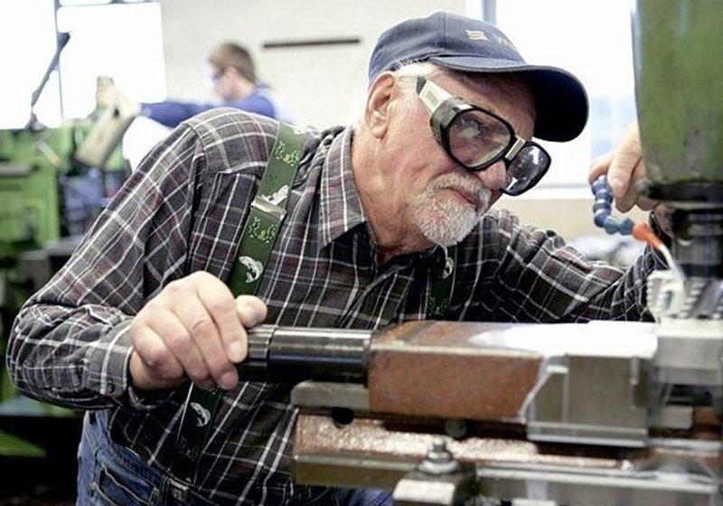 Работающим пенсионерам учтут новый стаж и пересчитают пенсии, фото-1