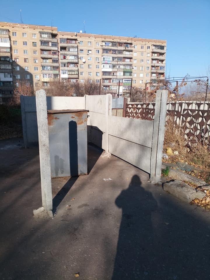 Маршрут «кораблика»: В Дружковке произошла серия краж панелей ограждения в местах сбора мусора (ФОТО), фото-2