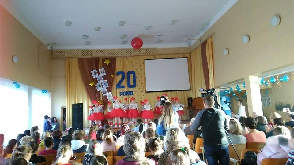 Дружковка: В ОШ №12 торжественно отметили 20-летие школьной газеты (ФОТО), фото-5