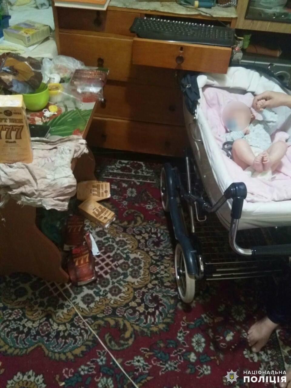 Дружковка: Из-за пьянства родителей трехмесячного ребенка изъяли из семьи, фото-1