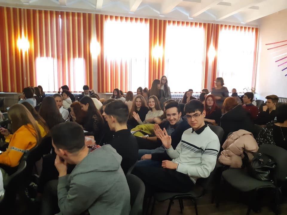 Дружковка: Одиннадцатиклассники ОШ №7 победили в областном этапе Всеукраинского турнира юных журналистов (ФОТО), фото-1