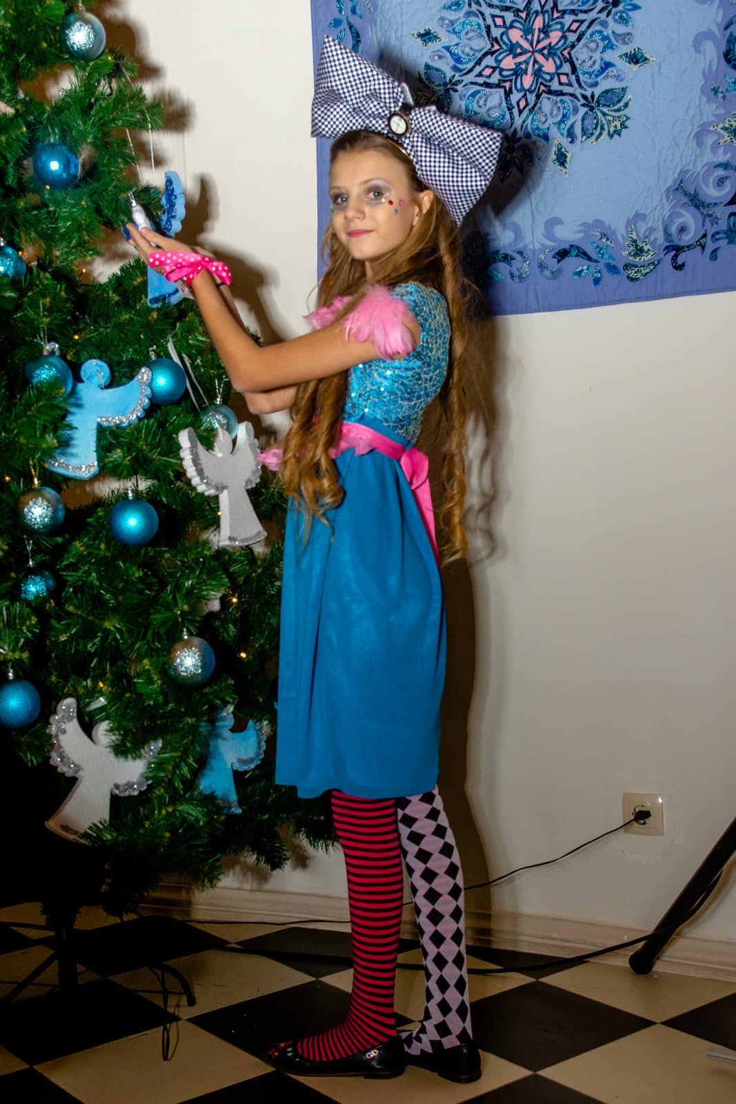 Юная дружковчанка представила собственную коллекцию одежды в резиденции Святого Николая (ФОТО), фото-8