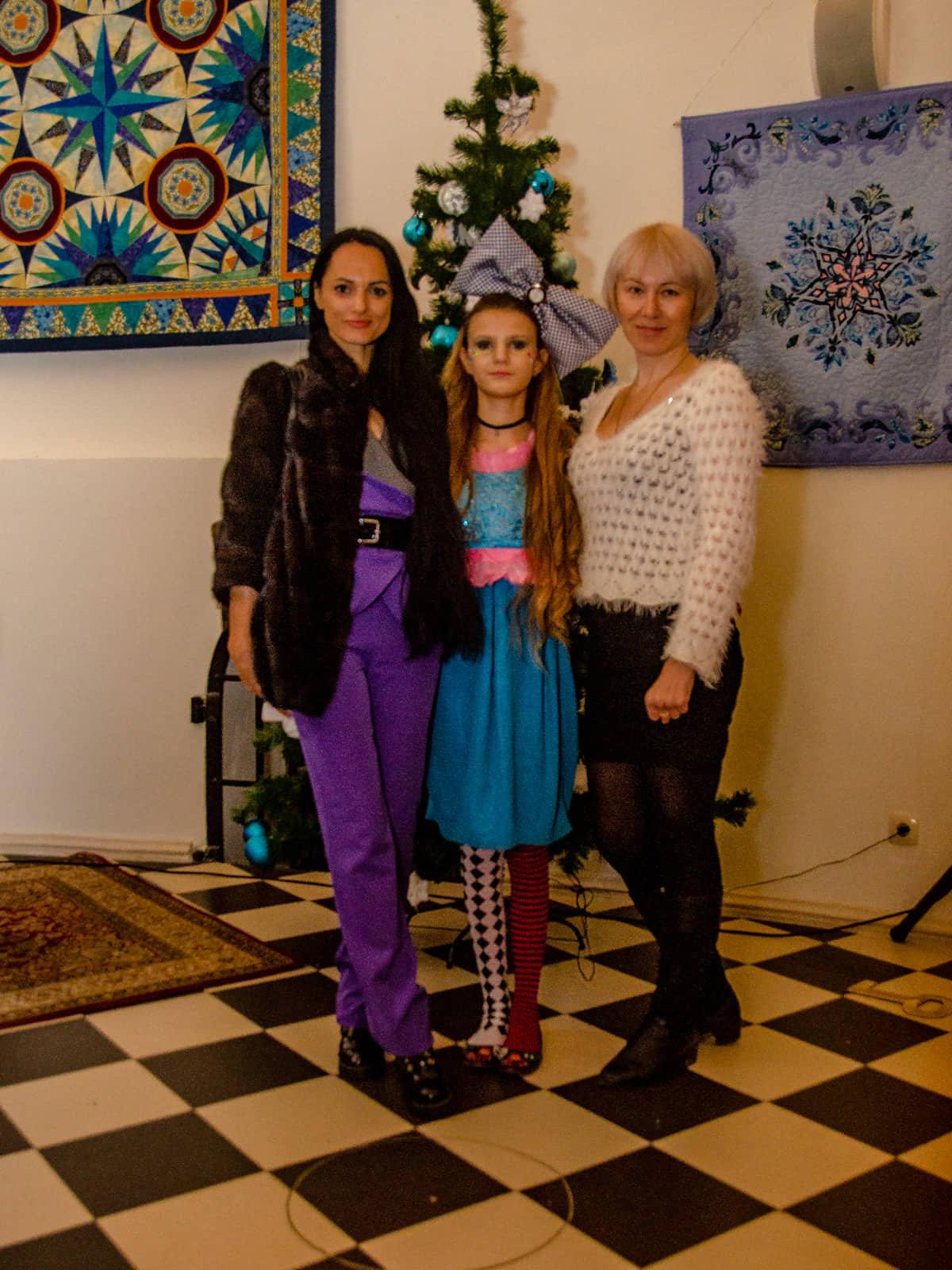 Юная дружковчанка представила собственную коллекцию одежды в резиденции Святого Николая (ФОТО), фото-7