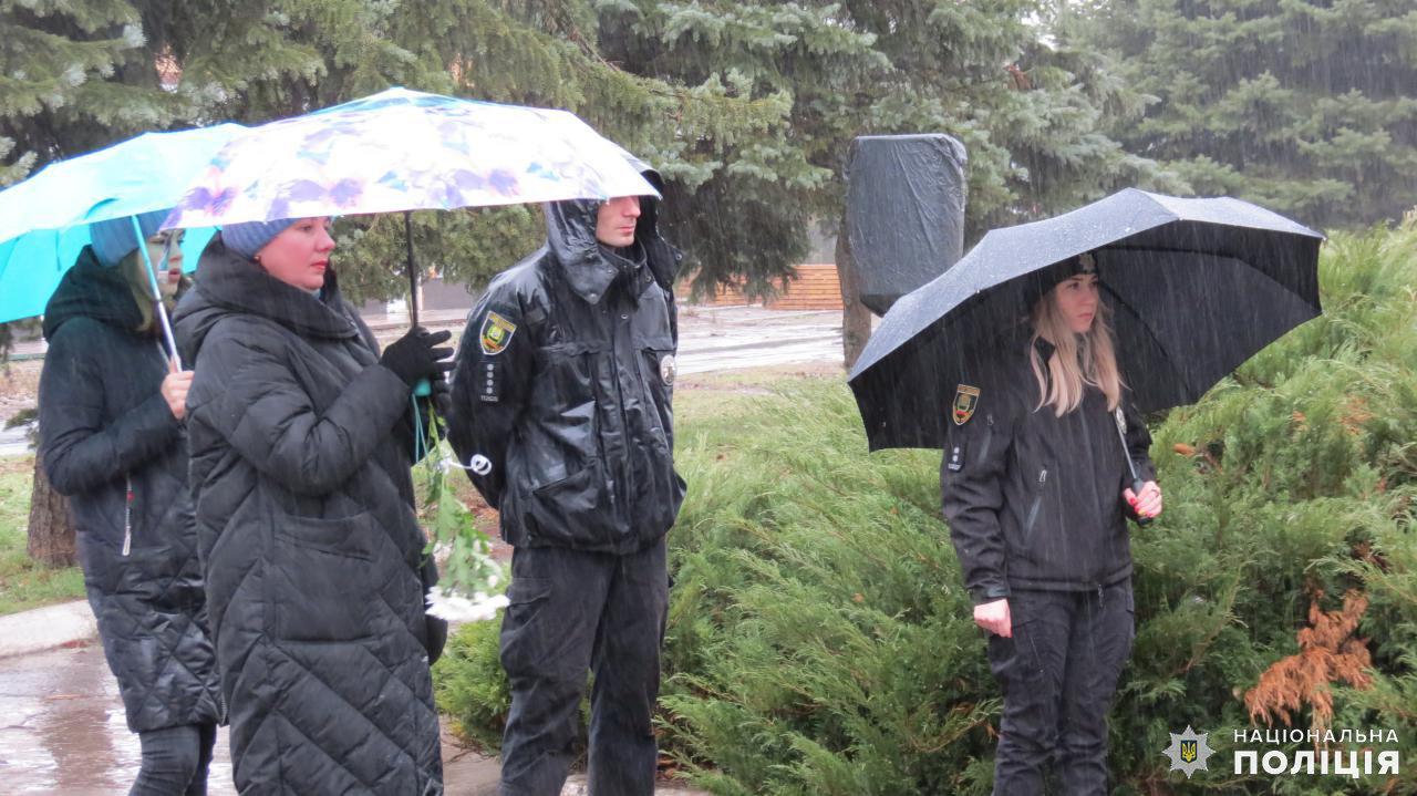 В Дружковке сегодня возложили цветы к памятному знаку героям-чернобыльцам, фото-1