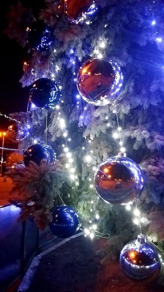 Цвет настроения - синий: В Дружковке уже почти все готово к встрече Нового года (ФОТО), фото-5