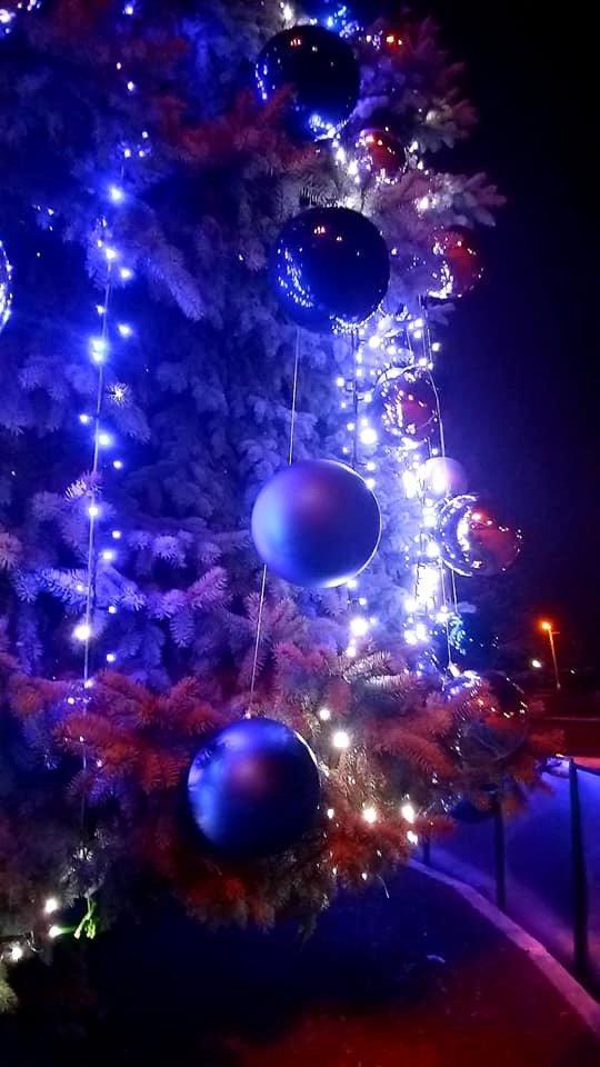 Цвет настроения - синий: В Дружковке уже почти все готово к встрече Нового года (ФОТО), фото-2