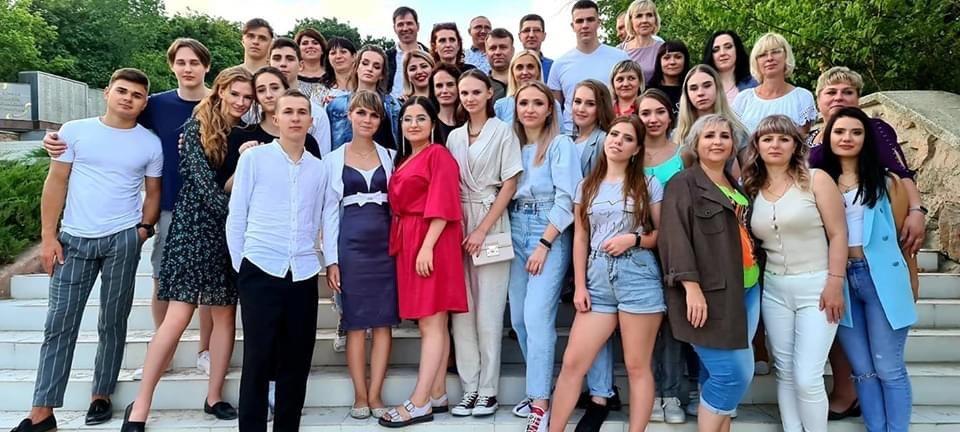 Краще пізно ніж ніколи: В Дружківці все ж відбулися урочисті випускні (ФОТО), фото-6