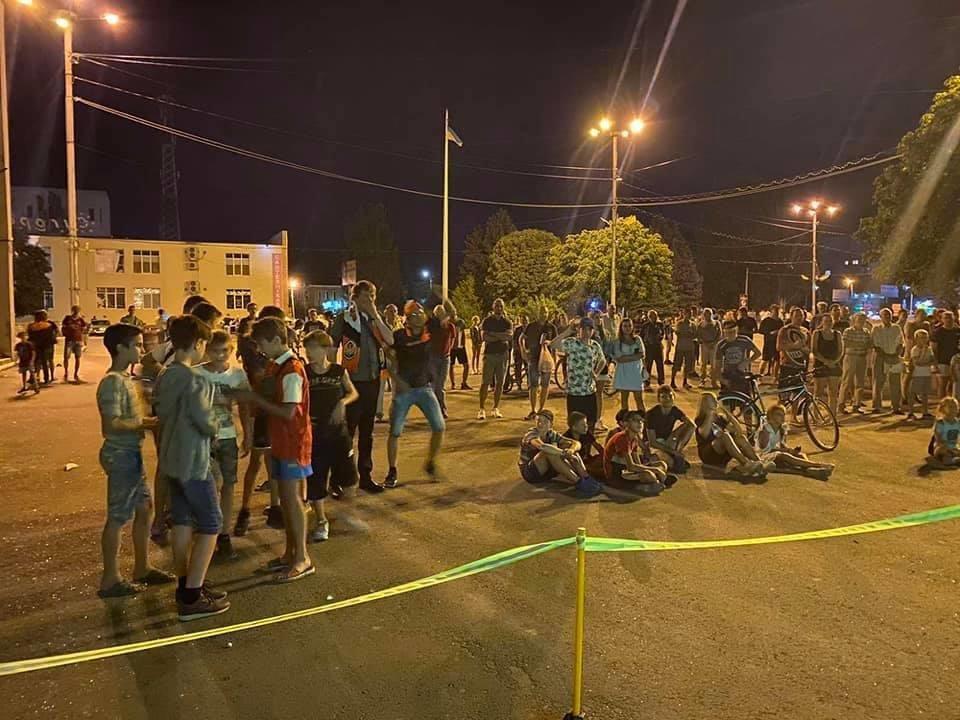 Дружківка: На площі Молодіжній вчора офіційно відкрили мультиспортивний простір для тренувань на свіжому повітрі, фото-4