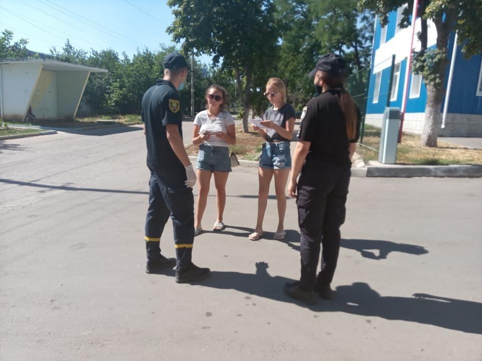 Дружківка: Рятувальники спільно з правоохоронцями застерігали населення про небезпеку пожеж в екосистемах, фото-1