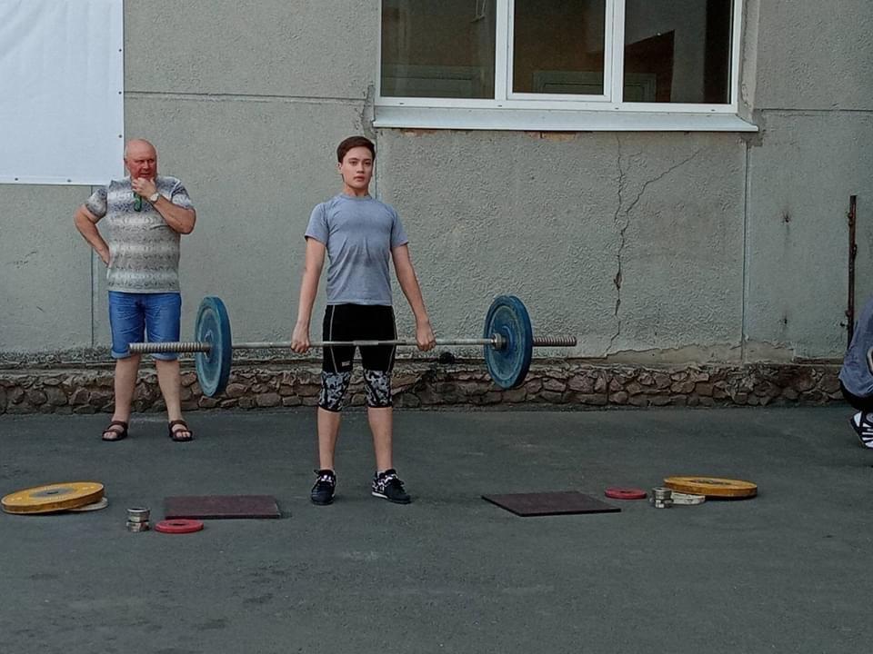 Дружківка: Вчора на Молодіжній тренувалися важкоатлети, а завтра на площу вийдуть майстри тхеквондо, фото-2