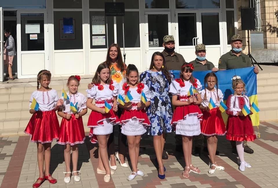 В Дружківці сьогодні відбувся урочистий захід на честь Дня державного прапору України, фото-6