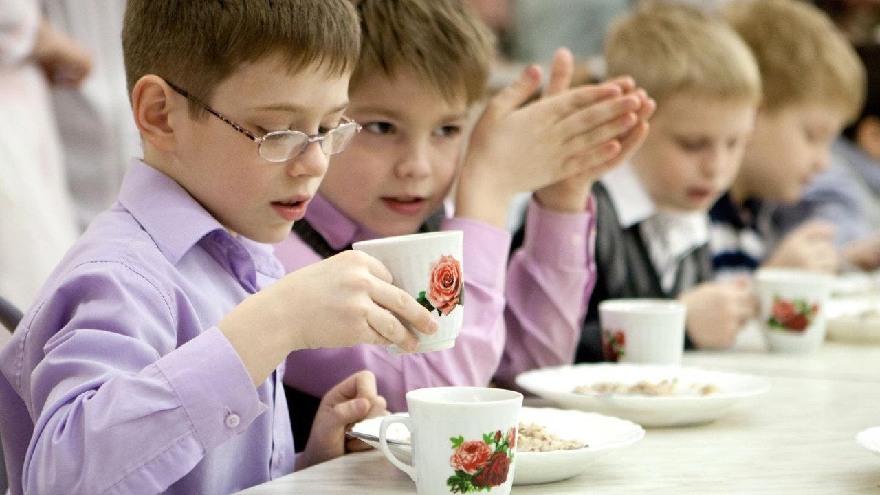 В Дружковке с сентября детей переселенцев в школах и детсадах будут кормить за счёт бюджета, фото-1