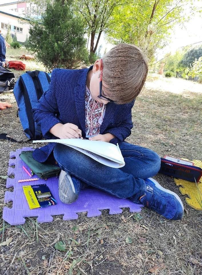 Дружківка: У школі №17 учні залюбки навчаються просто неба (13 ФОТО), фото-6