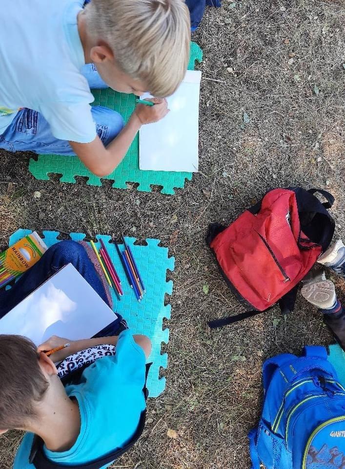 Дружківка: У школі №17 учні залюбки навчаються просто неба (13 ФОТО), фото-8