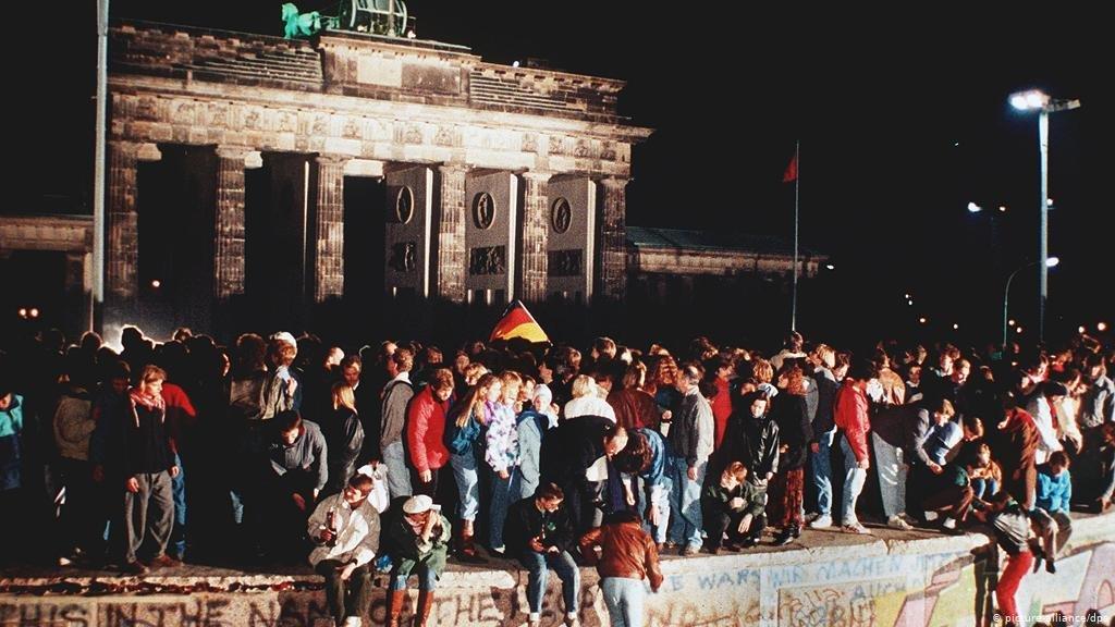 Об'єднання Німеччини, визнання вірусів та британська ядерна бомба – історія 3 жовтня у світі, фото-3